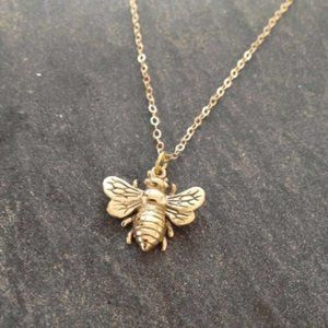 """Jewelry - Gold tone 18"""" dainty bumble bee necklace pendant"""